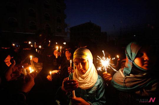 Yemen girls rally against Saleh